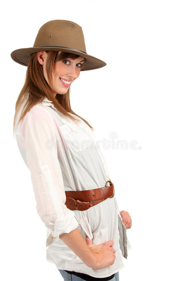 Abenteuerliche Frau mit Fedora lizenzfreie stockbilder