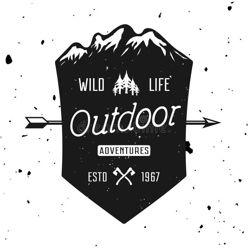 Abenteuervektor-Weinleseausweis im Freien, Emblem stock abbildung