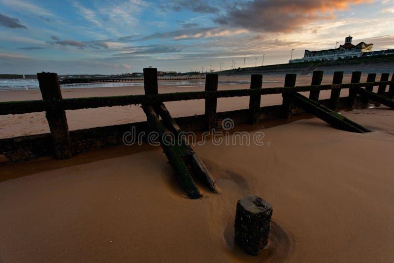Download Aberdeen strandsolnedgång arkivfoto. Bild av scotland - 27282096
