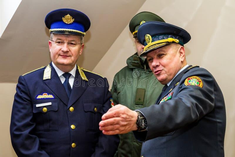 A abertura do primeiro ponto de contato comum no Ucraniano-Hu fotos de stock