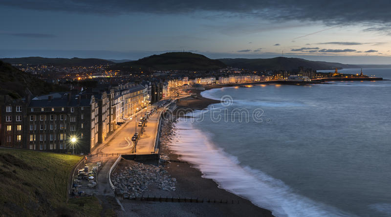 Aberystwyth Promenade bij schemer royalty-vrije stock fotografie