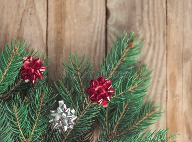 Abete decorato in atmosfera di Natale fotografie stock libere da diritti