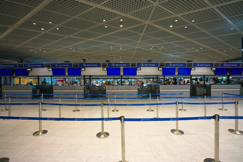 Abfahrt-Lobby-Abfertigungsschalter Narita internationales Flughafenabfertigungsgebäude-1 internationale lizenzfreie stockfotos