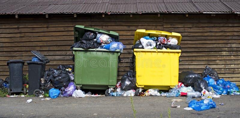 Abfallüberlastung lizenzfreie stockbilder