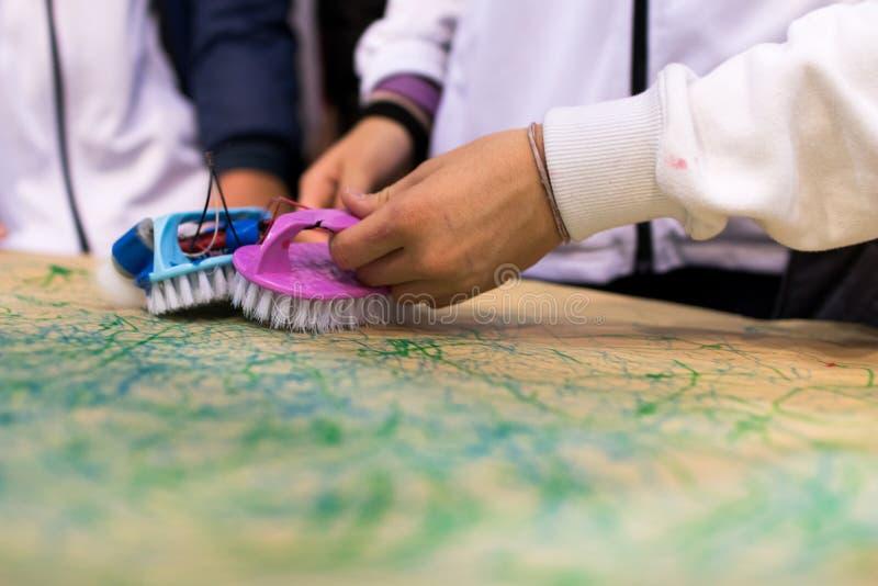 Abfall bastelnd, spielt Tätigkeiten DAMPF-Tätigkeit für Klassenzimmer B lizenzfreie stockbilder
