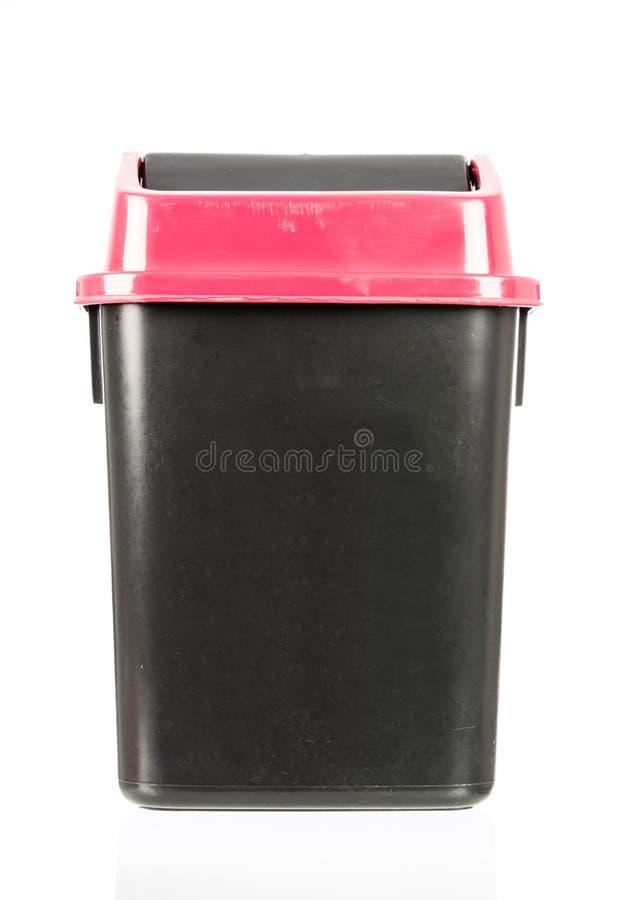 Abfall lokalisierter schmutziger alter schwarzer Behälter lokalisiert stockbild
