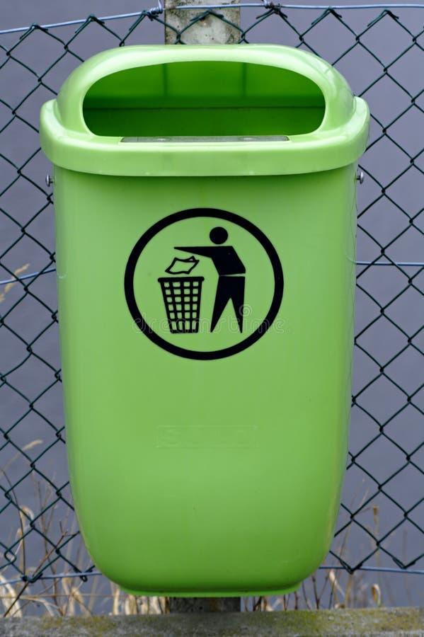 Abfallbehälter stockbild