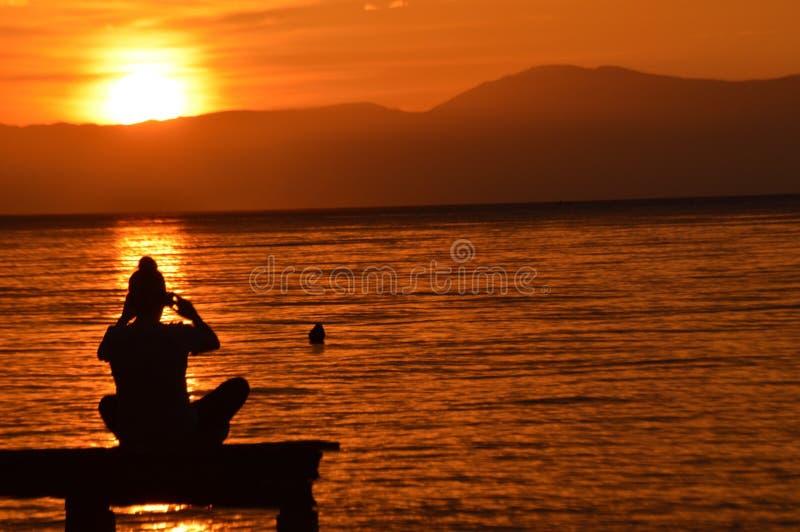Abfangen des Sonnenuntergangs lizenzfreies stockbild