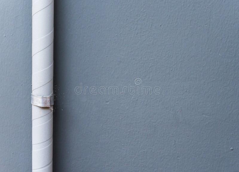 Abflussrohr mit mit dem weißen Band stockbilder