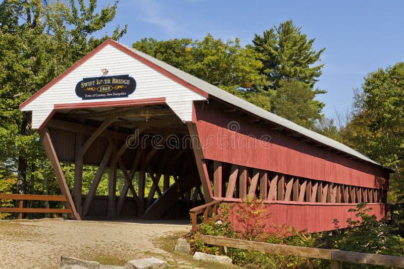 Abgedeckte Brücke in Conway, NH stockbild