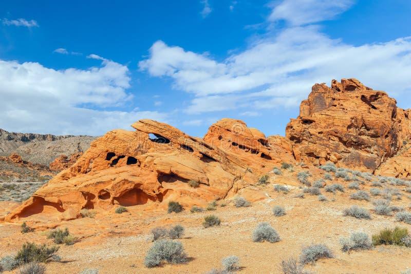 Abgefressene Felsformationen des roten Sandsteins Tal des Feuer-Nationalparks nevada USA stockbilder