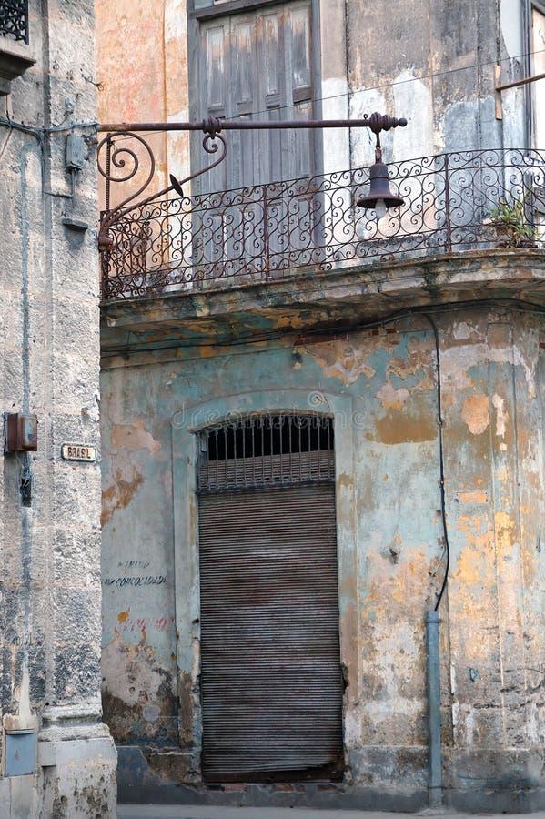 Abgefressenes Havana-Gebäudedetail, Kuba lizenzfreies stockfoto