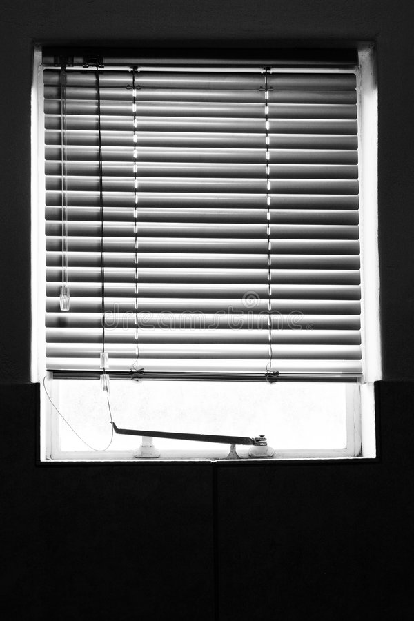 Abgeschirmtes Fenster stockfoto
