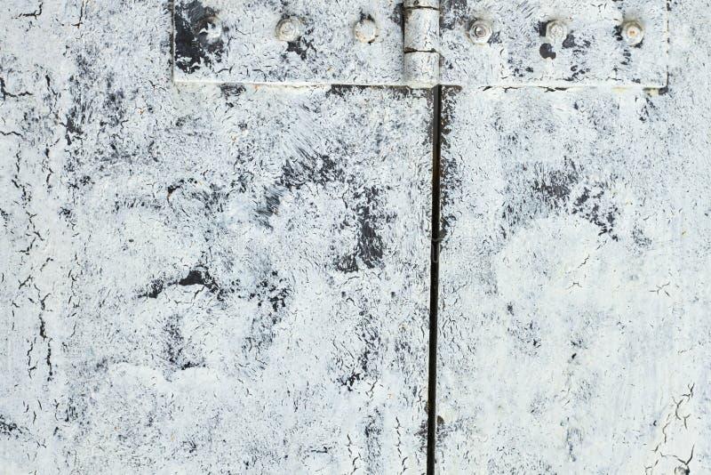 Abhängung vom weißen Weinleseholztürabschluß oben lizenzfreie stockfotos