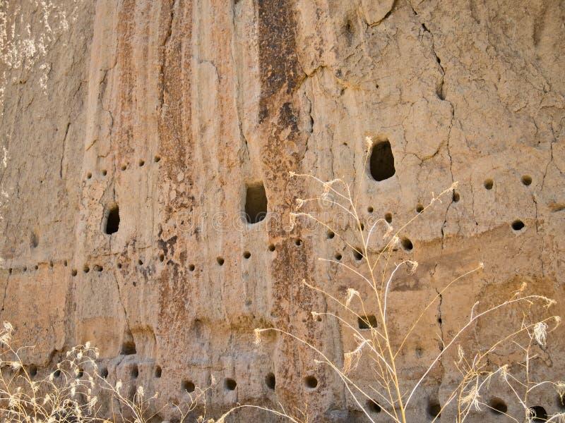 Abitazioni di scogliera, Bandelier, New Mexico fotografie stock