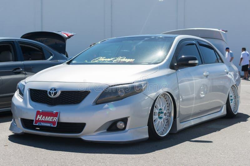 Abitudine di Toyota Corolla su esposizione immagine stock libera da diritti