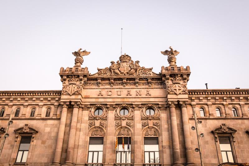 Abitudini che costruiscono Aduana a Barcellona immagini stock
