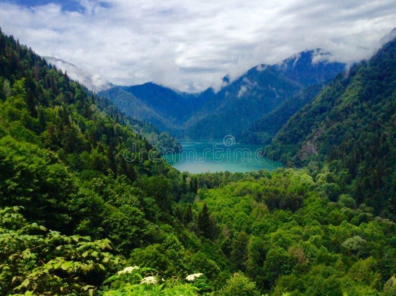 abkhazia jeziora krajobrazu malowniczy ritsa obrazy stock