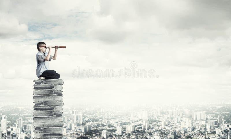Ablesen für das Erhalten des Wissens stockfotos
