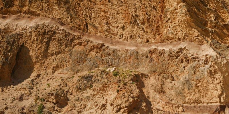 Abnutzung auf Sandsteinklippe stockfoto