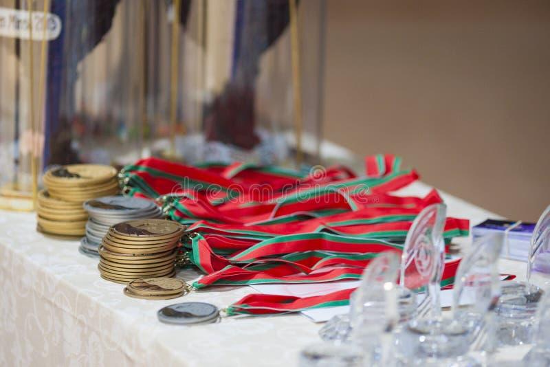 Abondance des médailles et des récompenses sur le championnat ouvert 201 de Minsk du monde images stock