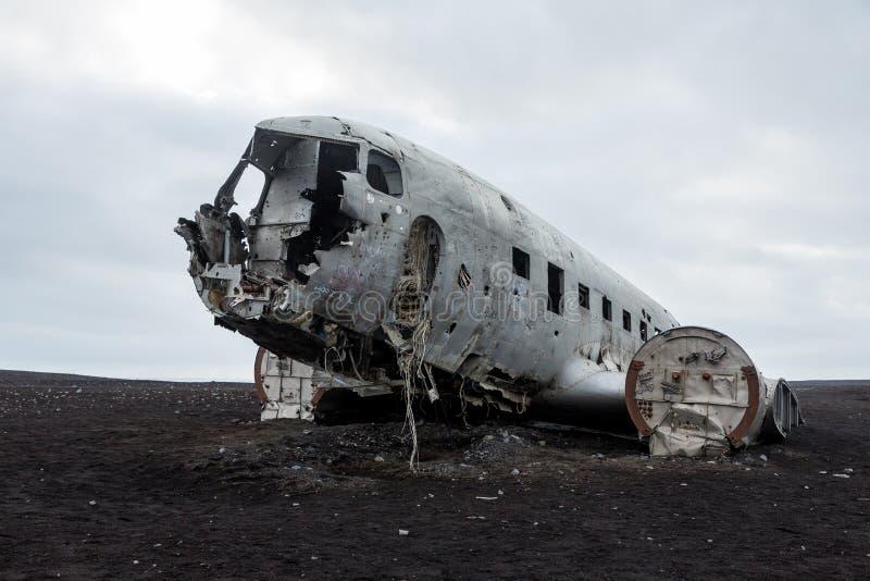 Abonded-Flugzeug DC-Wrack in Island-solheimasandur lizenzfreies stockbild