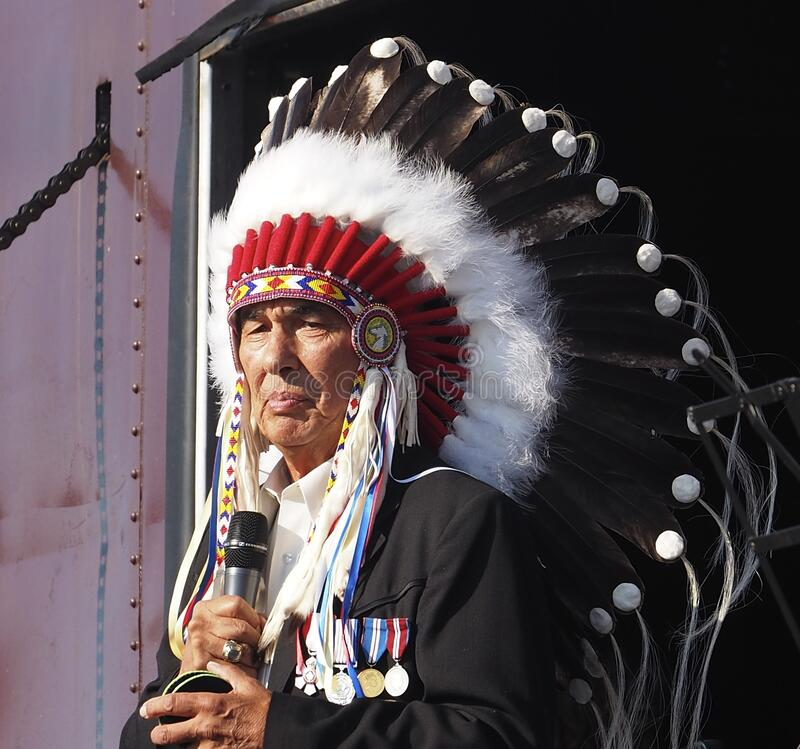 Free Aboriginal Chief Addressing People In Edmonton Alberta Royalty Free Stock Image - 170880366