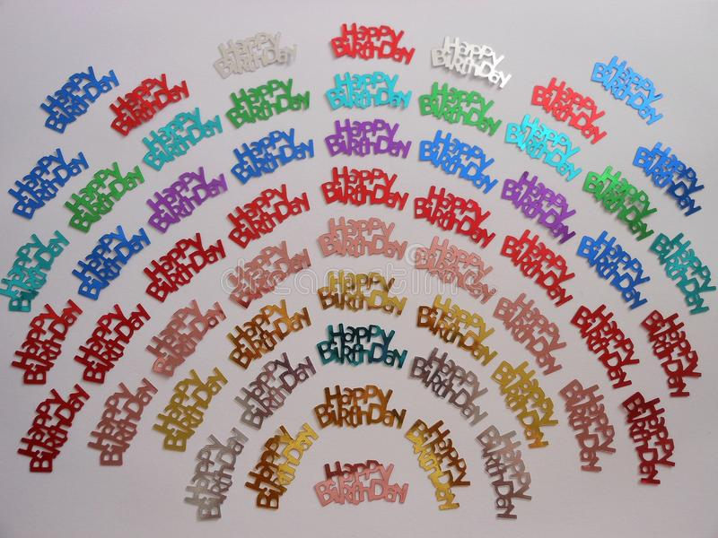 Abrégé sur confettis de joyeux anniversaire photographie stock