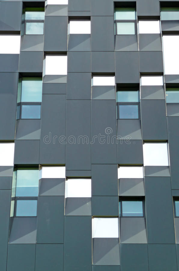 Abrégé sur extérieur construction à plusiers étages photographie stock libre de droits