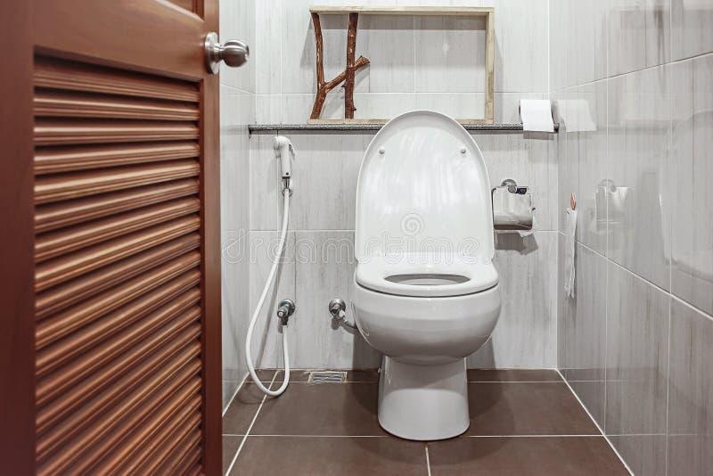 Abra ao toalete imagens de stock royalty free