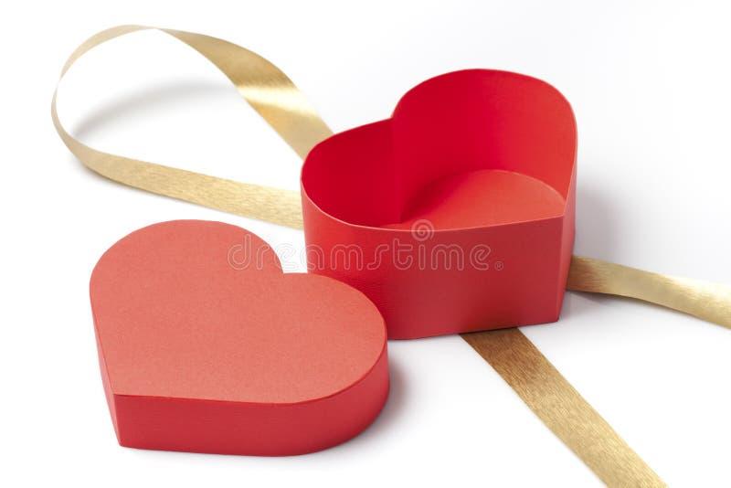 Abra a caixa de presente com uma forma do coração fotografia de stock royalty free