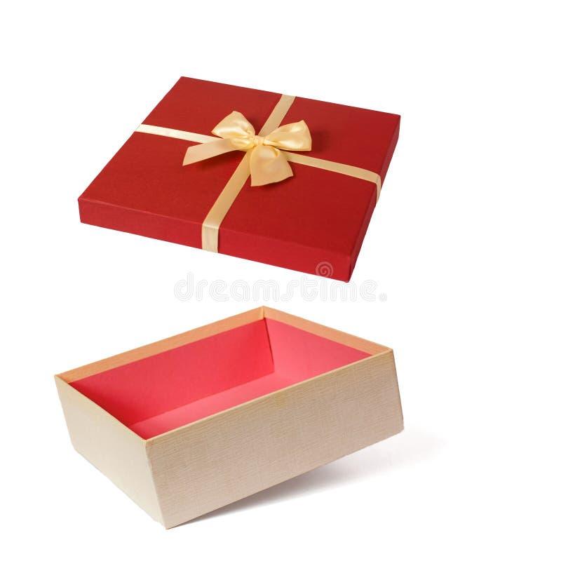 Abra a caixa de presente isolada no fundo branco foto de stock royalty free