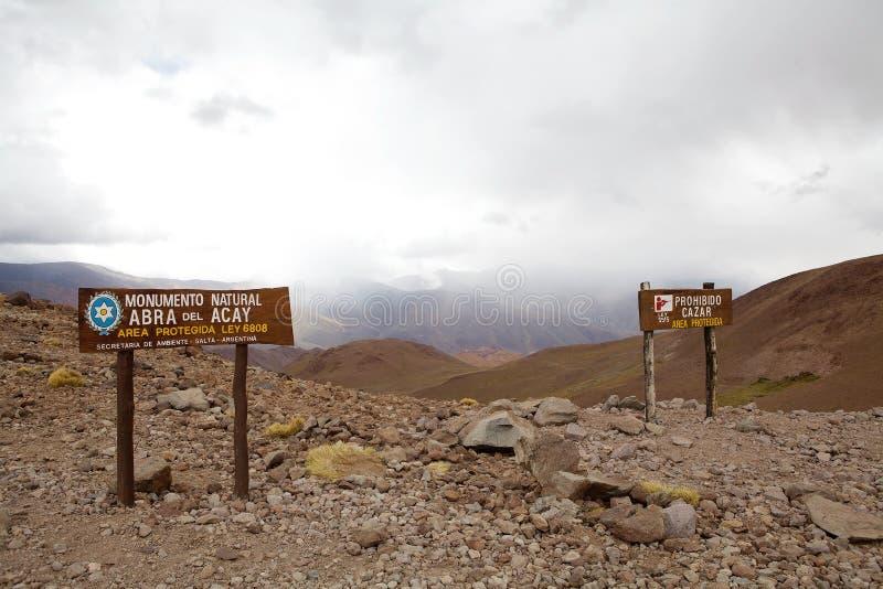 Abra del Alcay le long de l'itinéraire national 40 dans la province de Salta, Argentine photos stock