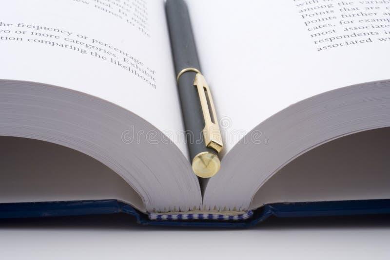 Abra el libro imagenes de archivo