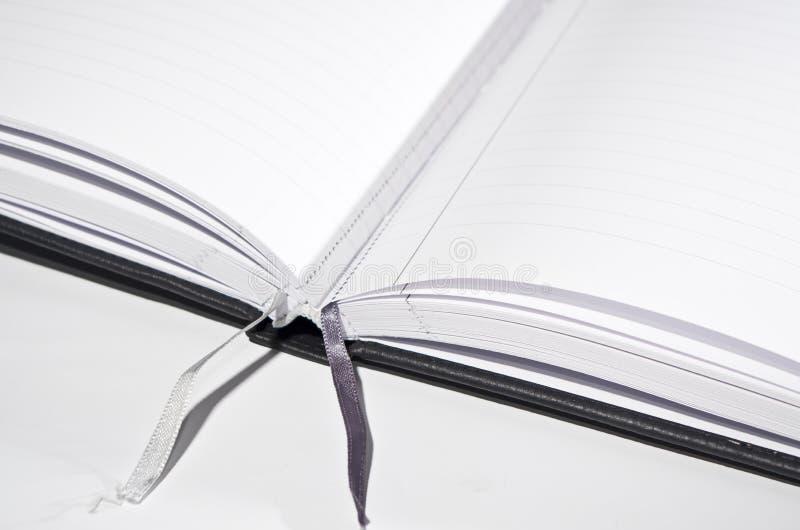 Abra el libro con las direcciones de la Internet fotografía de archivo