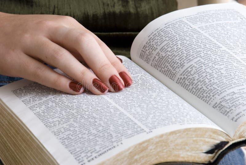 Abra la biblia imágenes de archivo libres de regalías