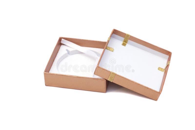 Abra la caja de regalo aislada en el blanco fotos de archivo libres de regalías