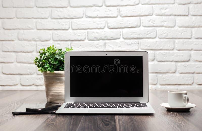 Abra la computadora portátil fotografía de archivo