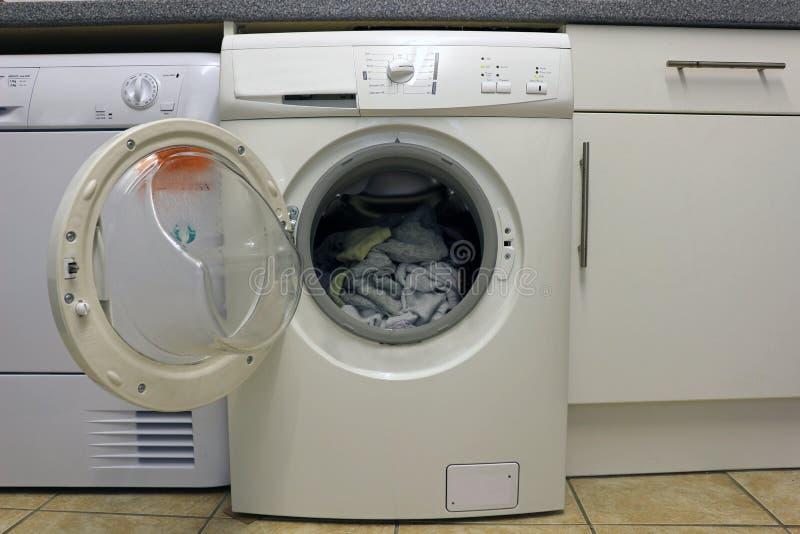 Abra a máquina de lavar imagens de stock