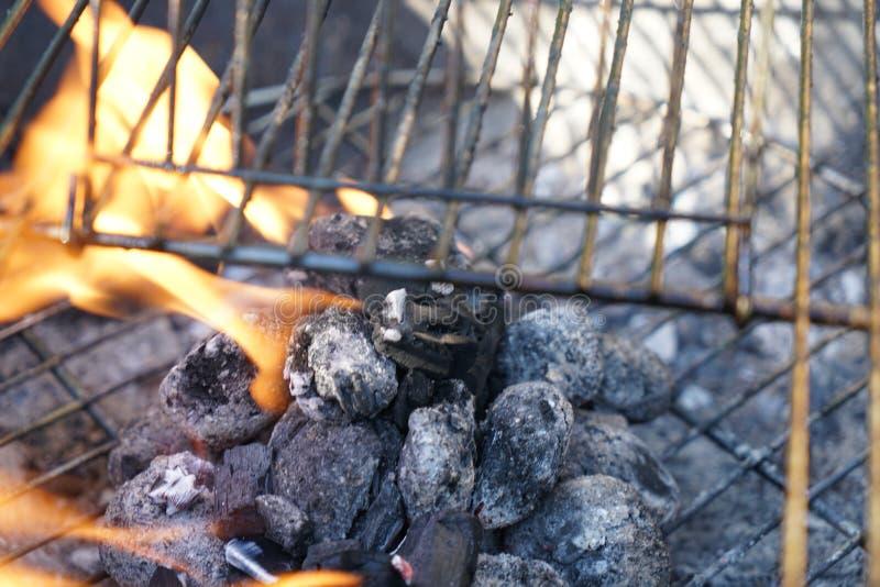 Abra o fogo na grade imagens de stock
