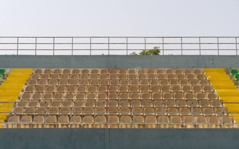 Abra a seção da tribuna no estádio urbano imagens de stock royalty free