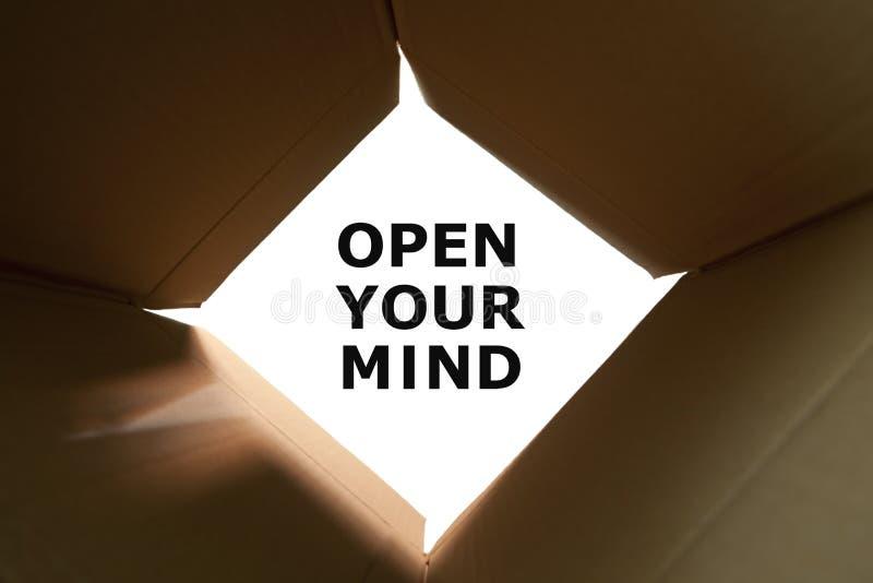 Abra su concepto de la mente imagen de archivo