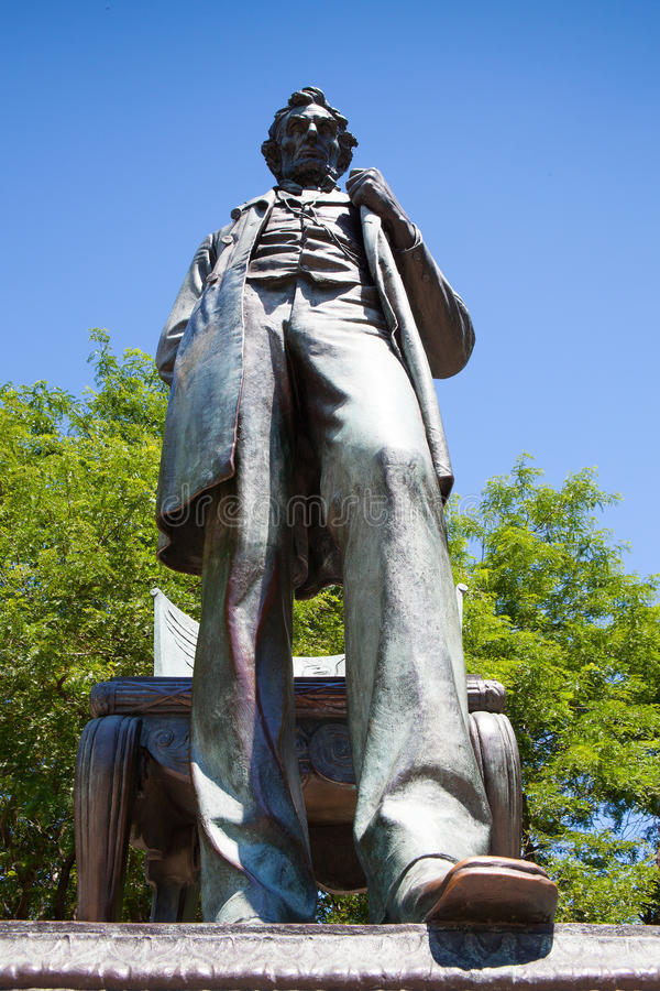 Abraham Lincoln-standbeeld in park Chicago stock afbeelding