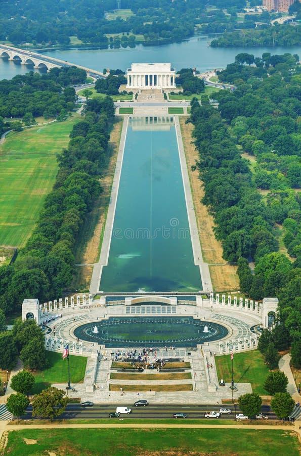 Abraham Lincoln y monumento de WWII en Washington, DC imagen de archivo libre de regalías