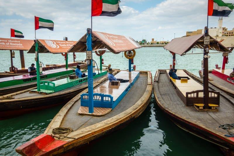 Abras na Dubaj zatoczce fotografia stock