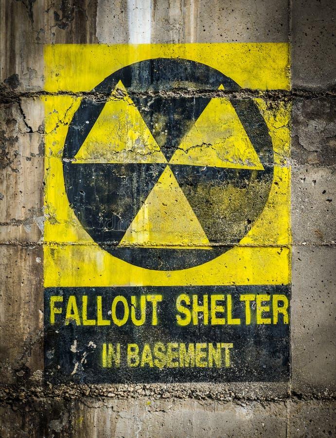 Abri contre les retombées radioactives photos libres de droits