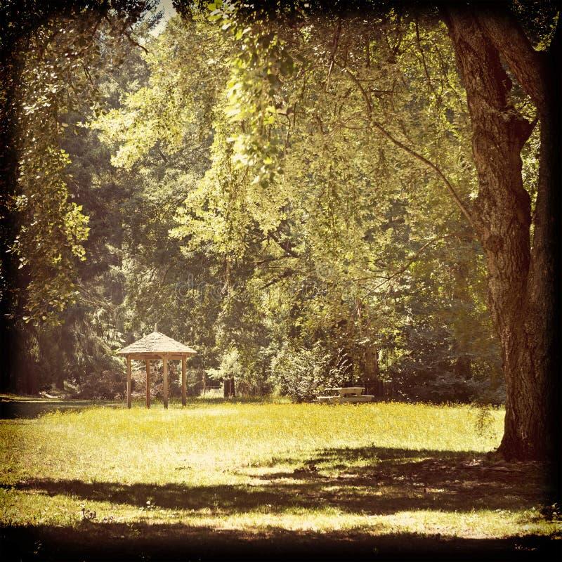 Abri de parc filtré images stock