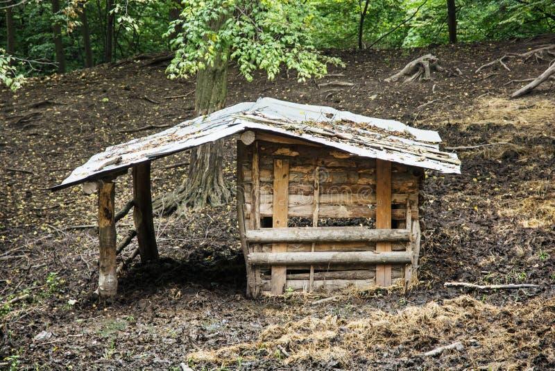 abri en bois pour des animaux de ferme image stock image. Black Bedroom Furniture Sets. Home Design Ideas