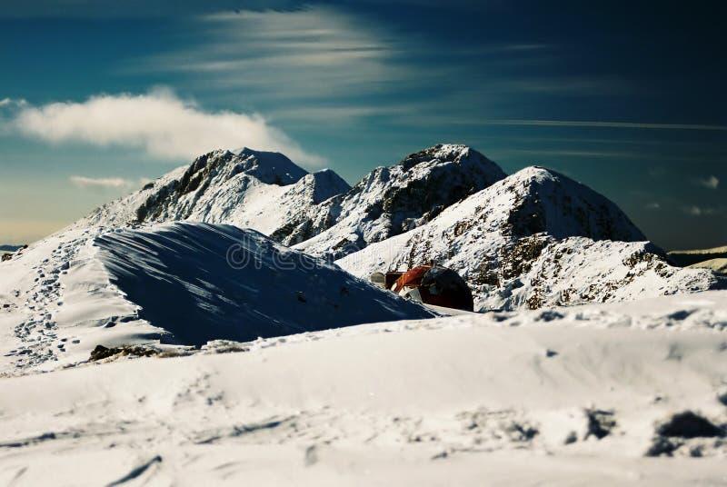 Download Abri sur Piatra Craiului photo stock. Image du glace, down - 81540