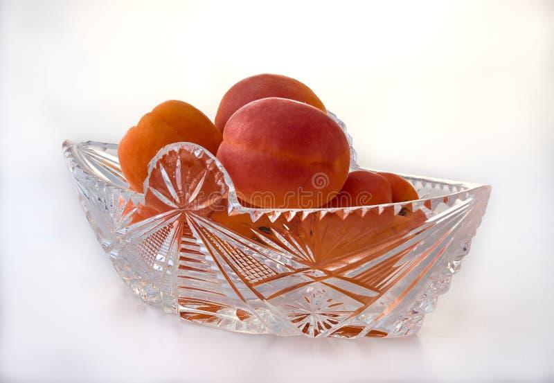 Abricot mûr délicieux En porcelaine et verrerie photographie stock libre de droits